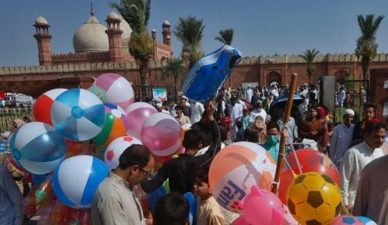 پنجاب میں عید پر 10 سے 15 مئی تک 6 تعطیلات کا اعلان