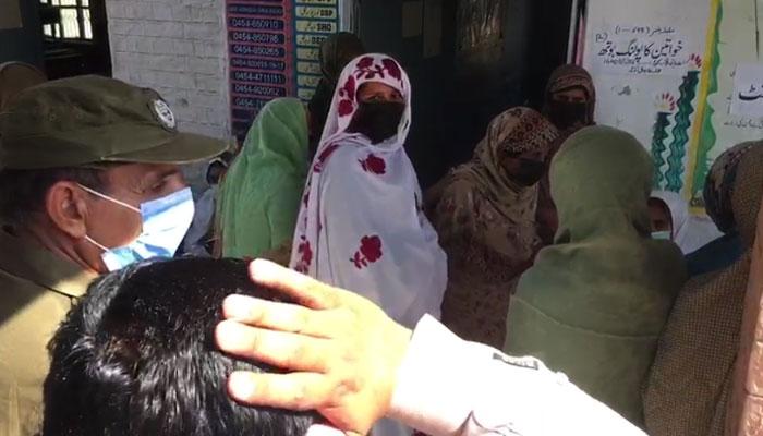 خوشاب انتخاب: خواتین کی SOPs کی خلاف ورزی