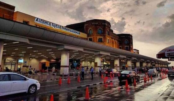 لاہور ایئرپورٹ پر مسافروں کی طبی جانچ کا عمل شروع