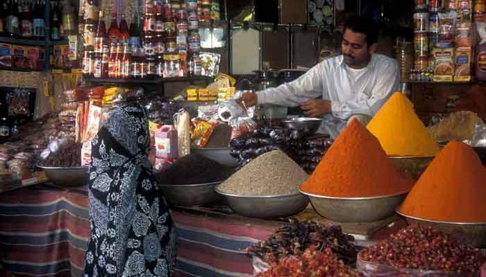 سندھ میں شام چھ بجے کے بعد گروسری سمیت تمام دکانیں بند کرنے کا فیصلہ