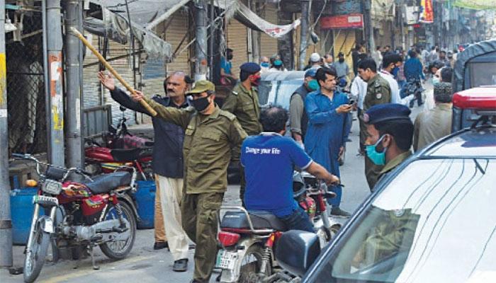 فیصل آباد: SOPs کی خلاف ورزی، سینکڑوں گرفتار، 186 مقدمات