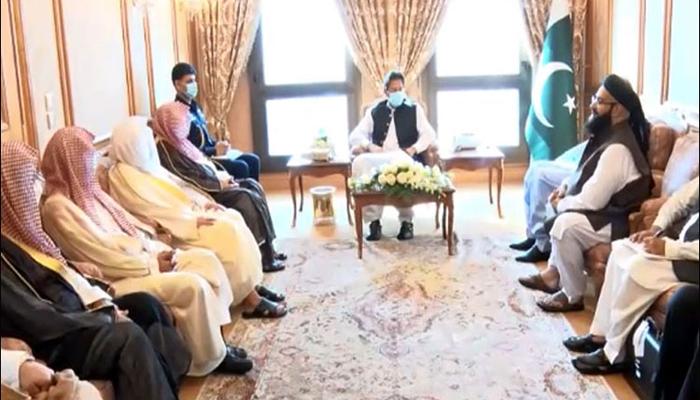وزیراعظم کی امام کعبہ سے پاکستان کیلئے خصوصی دعاؤں کی درخواست