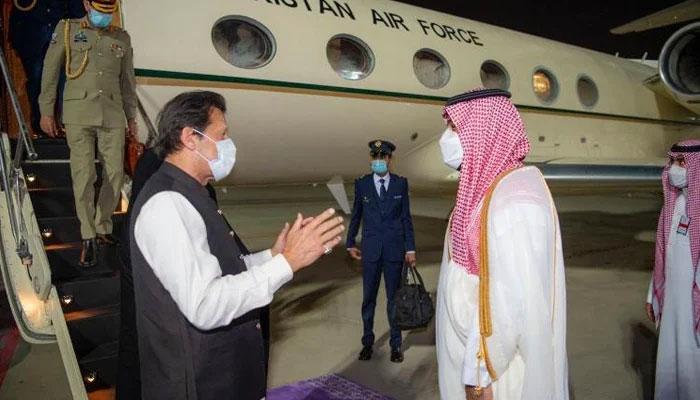دورہ سعودی عرب کے بعد وزیر اعظم کی وطن واپسی