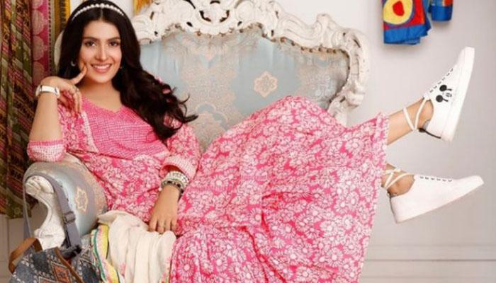 عائزہ خان نے اپنی مصروف زندگی کی ایک جھلک دکھا دی