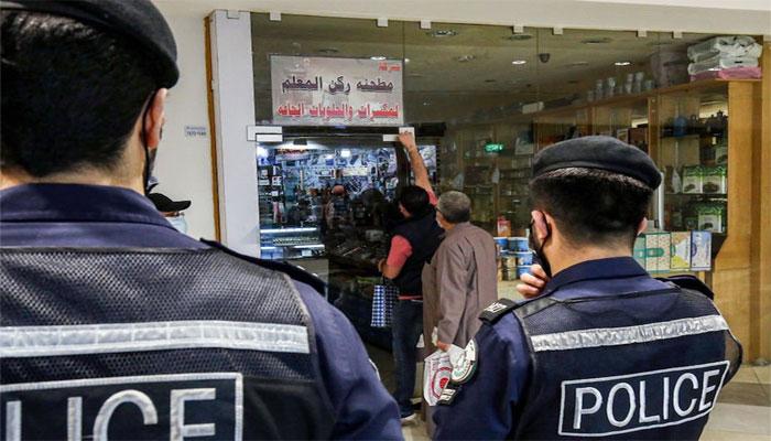 کویت: جزوی کرفیو اٹھانے کا فیصلہ، رات آٹھ سے صبح پانچ بجے تک کارروبار بند رکھنے کافیصلہ