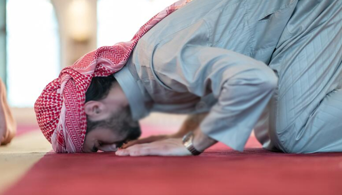 ایک نماز چھوڑنے پر عمداً دوسری نماز چھوڑنا
