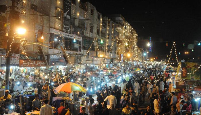 کراچی،لاہور،اسلام آباد میں رات گئے تک بازاروں میں رش