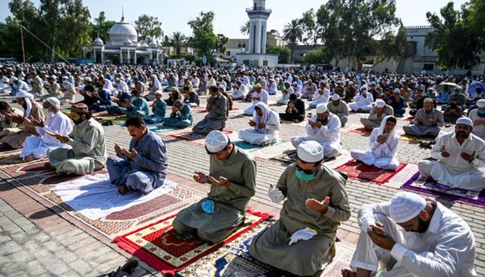 ملک بھر میں عید الفطر آج منائی جارہی ہے