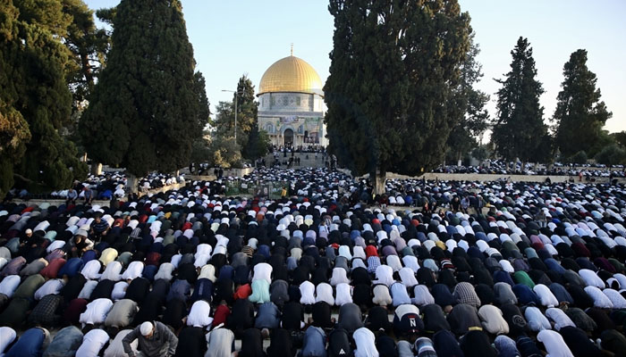 مسجد الاقصیٰ میں نماز عید کے اجتماع میں ہزاروں فلسطینیوں کی شرکت