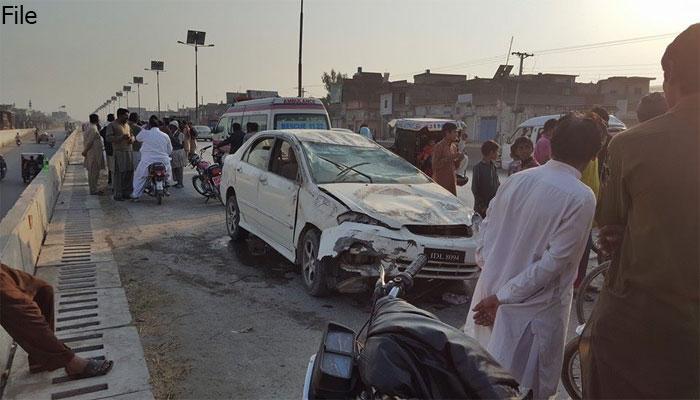 گوجرانوالہ: کم عمر کار ڈرائیور نے 6 بھکاری کچل دیئے