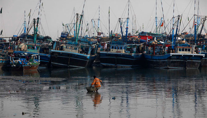 Hurricane Taute: Fishermen prevented from going to sea
