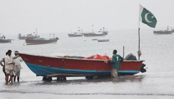 سمندری طوفان کا خدشہ: کراچی کے ماہی گیروں کی 1200 لانچ واپس بُلا لیں
