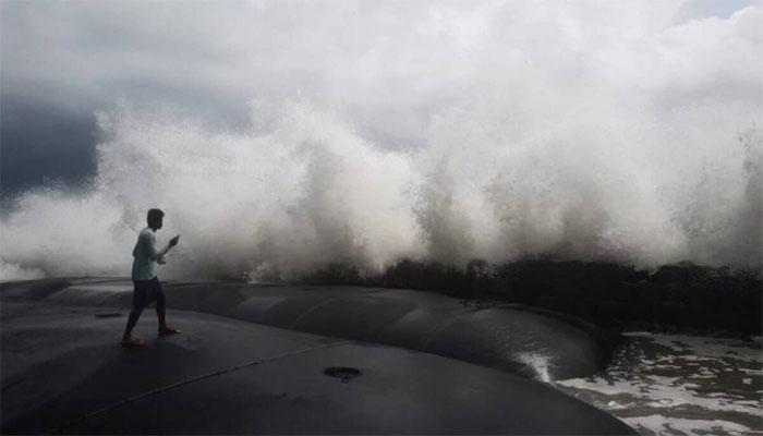 طوفان کے کیا اثرات ہو سکتے ہیں؟ ڈائریکٹر محکمہ موسمیات نے بتا دیا