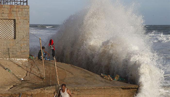 متوقع سمندری طوفان: کراچی انتظامیہ الرٹ، ایمرجنسی اور ریلیف کی تیاری رکھی جائے، کمشنر کراچی