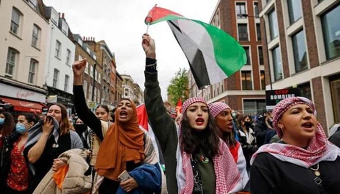 برطانوی وزیراعظم کے گھر کے باہر فلسطین کےحق میں مظاہرہ