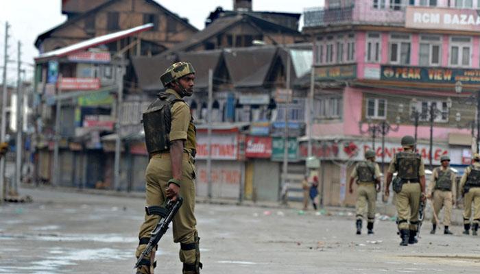 قابض بھارتی فوج نے سری نگر میں دو کشمیریوں کو شہید کردیا