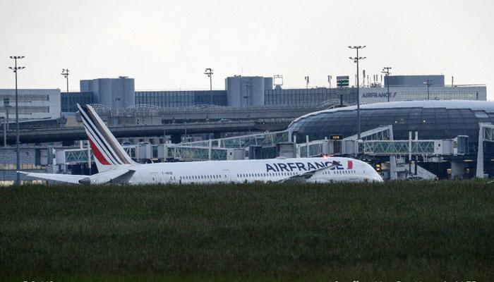 بم کی دھمکی پر ایئر فرانس کے طیارے کی پیرس میں ہنگامی لینڈنگ