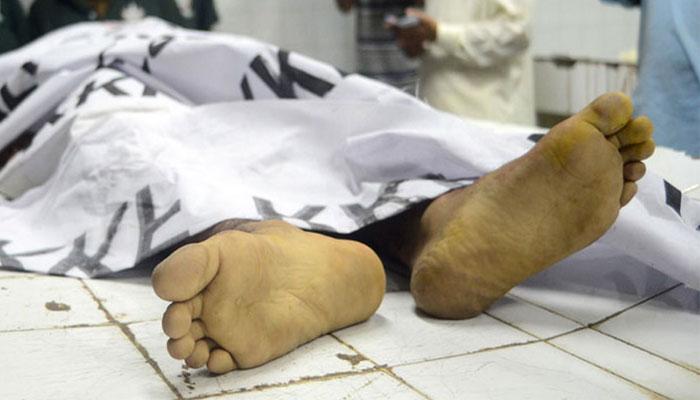 کراچی: پولیس کو دوست کی لاش اسپتال میں چھوڑ کر فرار شخص کی تلاش