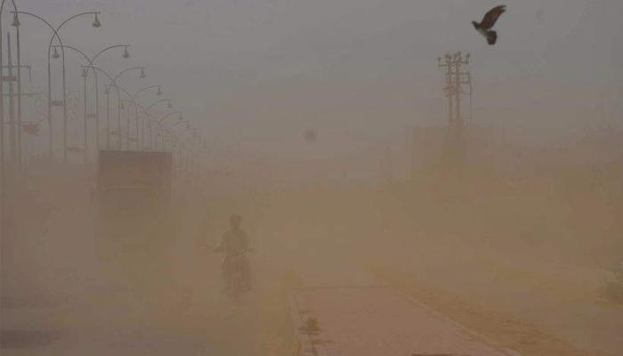 سندھ: آندھی کی تباہ کاریاں، 3بچوں سمیت 6جاں بحق، بجلی غائب