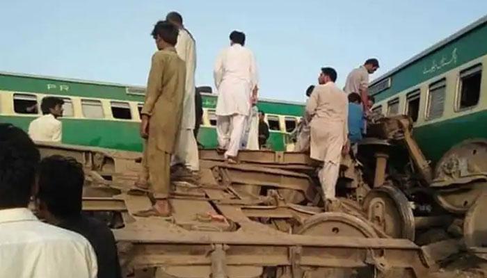 ٹرین حادثہ کیسے ہوا، ڈرائیور نے سب بتا دیا