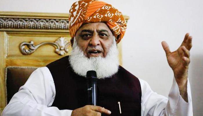 ٹرین حادثے روزمرہ کا معمول بن گئے ہیں، مولانا فضل الرحمٰن