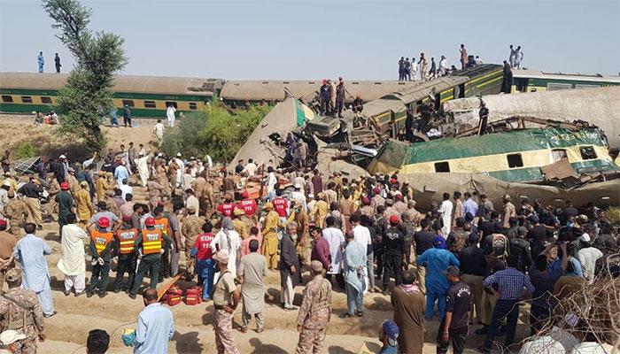 ڈہرکی ٹرین حادثہ کئی خاندانوں کوہمیشہ کا غم دے دیا