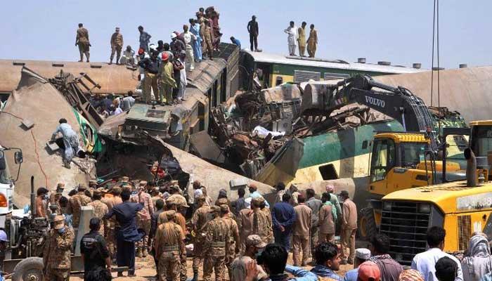 ٹرین حادثےمیں جاں بحق 7 افراد کی لاشیں لودھراں پہنچادی گئیں