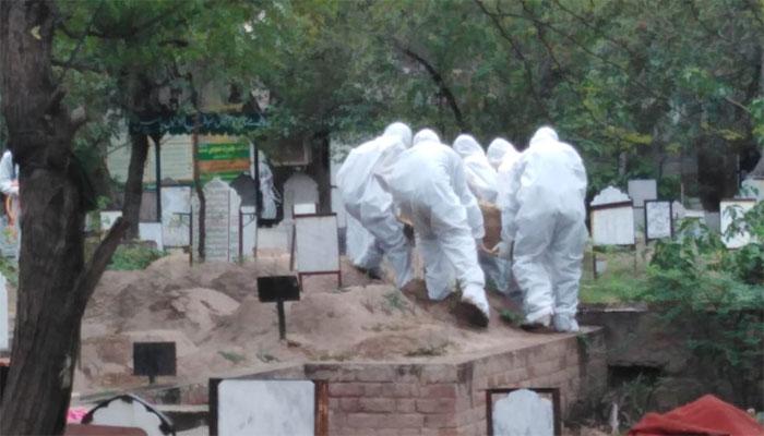 پاکستان: کورونا وائرس سے مزید 53 اموات، کل ہلاکتیں 21376
