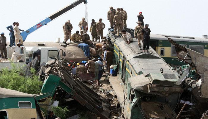 ڈھرکی ٹرین حادثے کی ابتدائی تحقیقاتی رپورٹ تیار