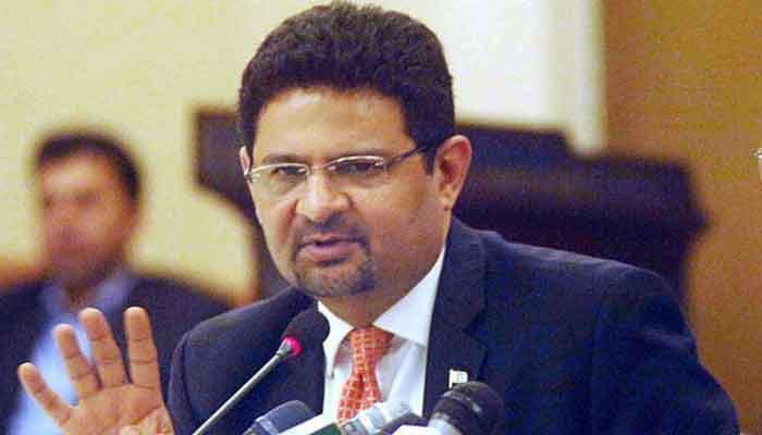 حکومت کو جھوٹ بولنا ہے تو مستقل مزاجی سے بولے: مفتاح اسماعیل