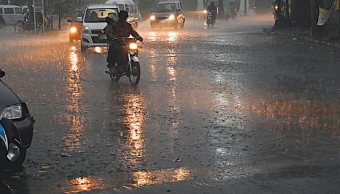 کل سے پنجاب میں آندھی اور گرج چمک کے ساتھ بارش متوقع