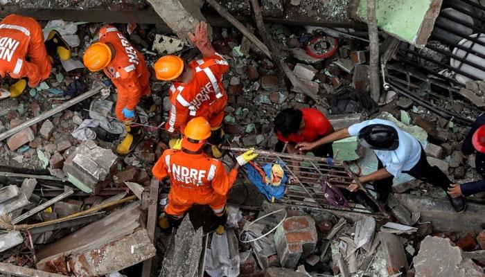 ممبئی : دومنزلہ رہائشی عمارت گرگئی، 11 افراد ہلاک