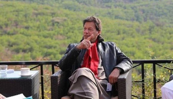وزیر اعظم عمران خان چھٹیاں گزارنے نتھیا گلی پہنچ گئے