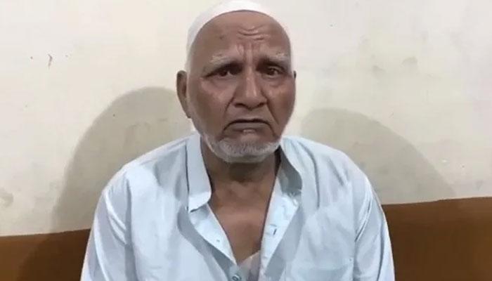 غازی آباد:نماز کے لیے جانے والے بوڑھے مسلمان پر انتہاپسندوں کا حملہ، تشدد کے بعد ڈاڑھی کاٹ دی