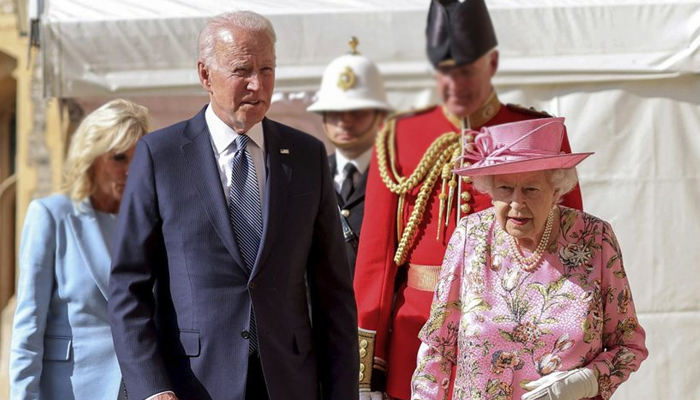 ملکہ برطانیہ نے جو بائیڈن کو ماں کی یاد دلادی