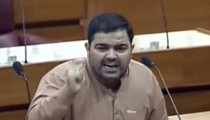قومی اسمبلی میں ہنگامہ آرائی کے دوران میں بھی زخمی ہوا، فہیم خان