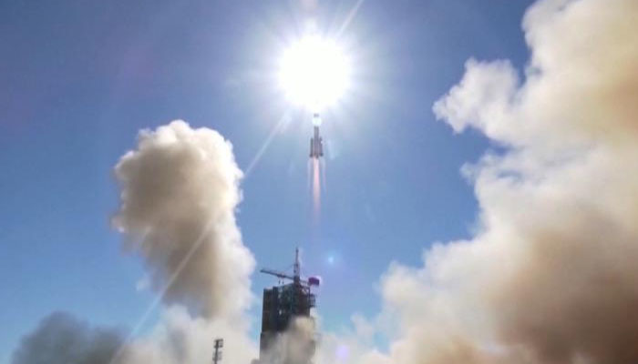 چین کا خلائی مشن خلا کی طرف روانہ ہو گیا