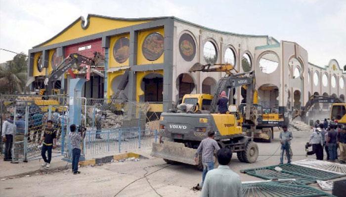 کراچی:عدالتی احکامات کی روشنی میں تجاوزات کیخلاف آپریشن جاری