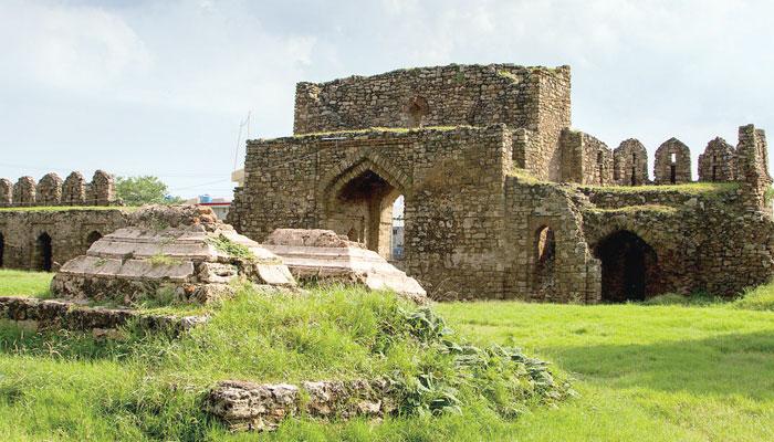 قلعہ روات... ایک قدیم کاروان سرائے