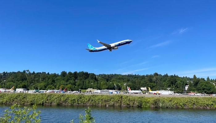 بوئنگ کمپنی کے نئے طیارے کی امریکا میں پہلی آزمائشی پرواز