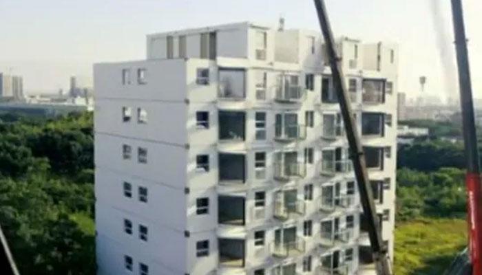 چینی معماروں نے 28 گھنٹوں میں 10 منزلہ عمارت تعمیر کردی