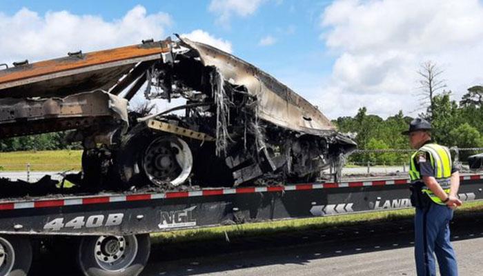امریکا : ہولناک ٹریفک حادثہ، 10 افراد ہلاک