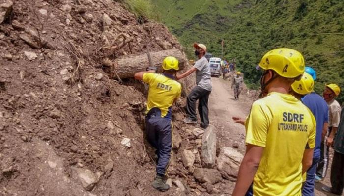 بھارت اور فرانس میں طوفانی بارشیں