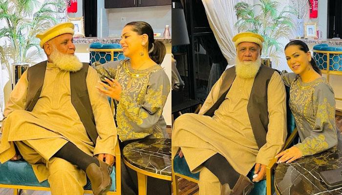 غنا علی کی والد کیساتھ تصاویر وائرل