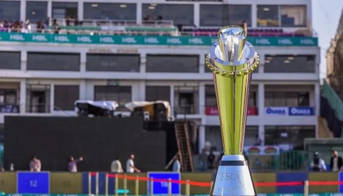 پشاور زلمی کا کراچی کنگز کیخلاف ٹاس جیت کر بولنگ کا فیصلہ
