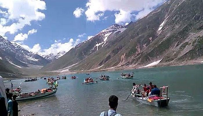 جھیل سیف الملوک میں غیر قانونی کشتی رانی پر پابندی