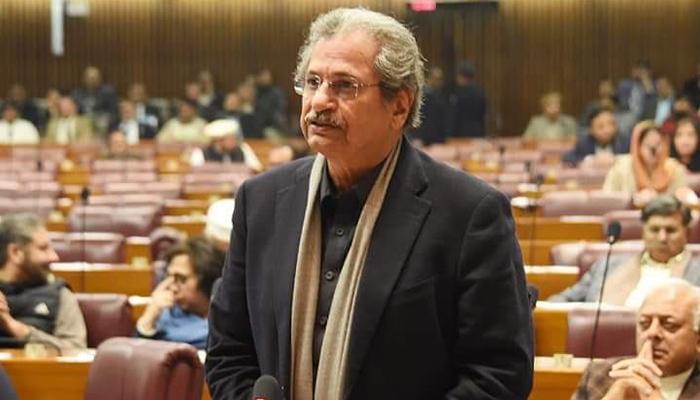 گزشتہ سال امتحان نہ لینے سے مسائل نے جنم لیا، شفقت محمود