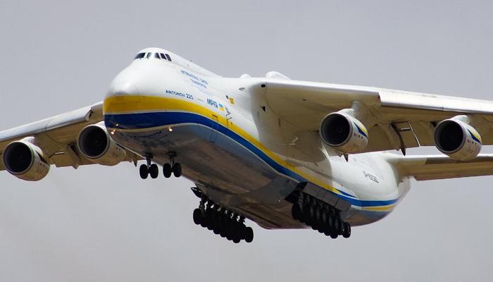 دنیا کا سب سے بڑا کارگو ہوائی جہاز کراچی سے برطانیہ روانہ