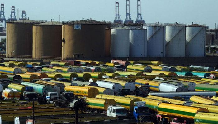 آئل ٹینکرز کنٹریکٹرز ایسوسی ایشن کی ہڑتال، کراچی میں تیل سپلائی میں کمی آنے لگی