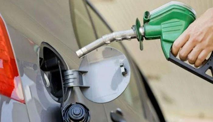 چند تیل کمپنیوں کی کل سے پٹرول سپلائی دینے سے معذرت